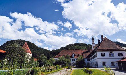 Die St. Stephan Kirche und ihr Kloster
